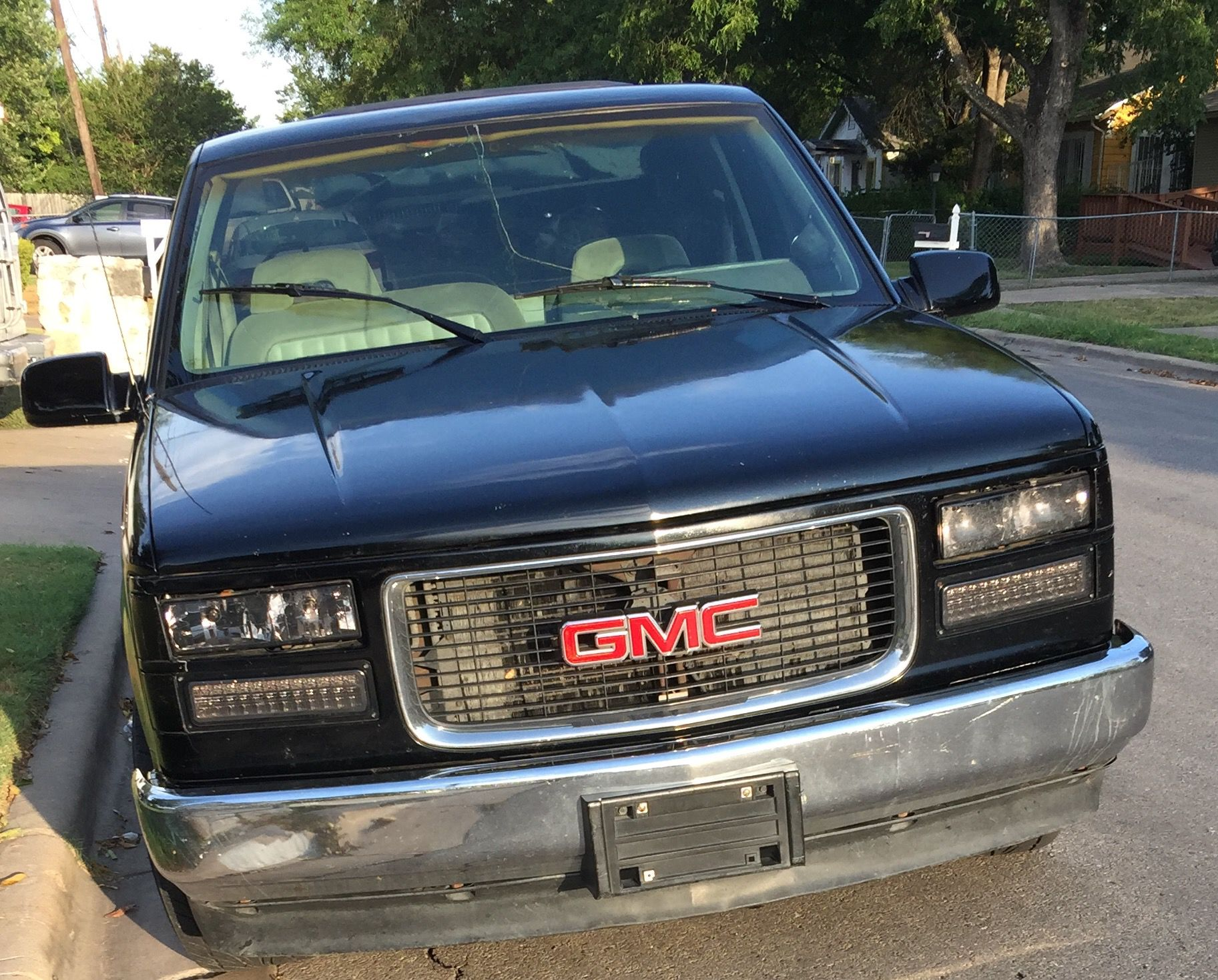 GMC Windshield Replacement Prices & Local Auto Glass Quotes