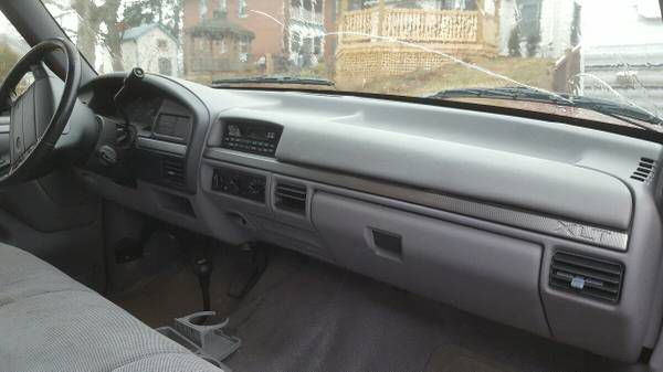 Ford Windshield Replacement Prices & Local Auto Glass Quotes