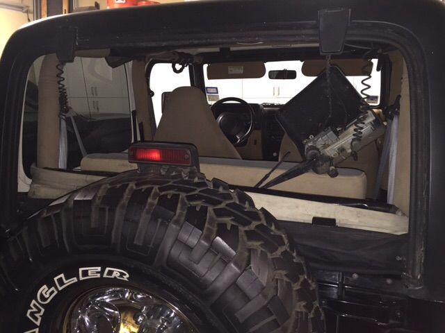 jeep windshield replacement prices local auto glass quotes. Black Bedroom Furniture Sets. Home Design Ideas