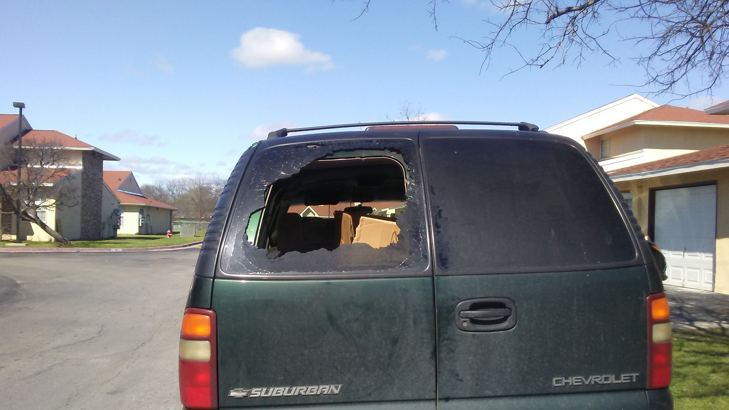 Chevrolet Windshield Replacement Prices Local Auto Glass Quotes 1983 Chevy Silverado Crew Cab Extended 2001 Suburban 4 Door Back Heated Lift Gate