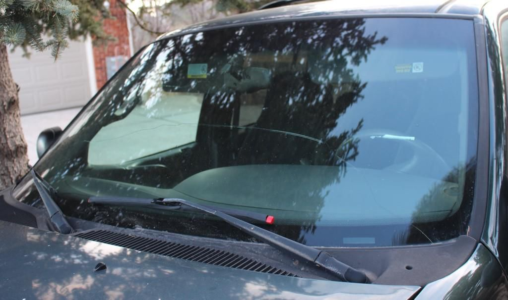 2001 Ford Expedition Windshield