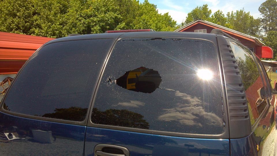 Chevrolet windshield replacement prices local auto glass for Back door with side window
