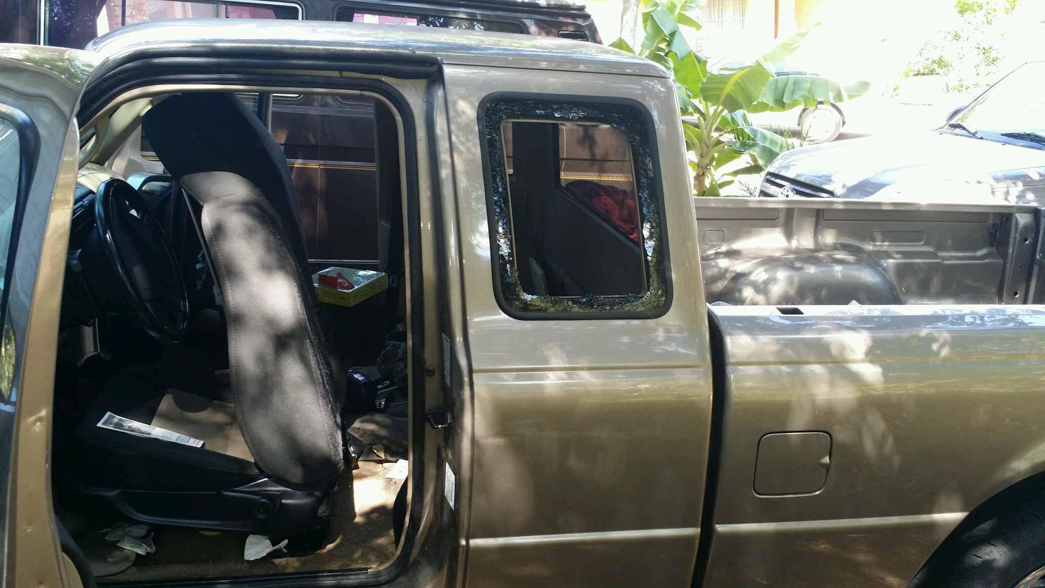ford ranger  door super cab drivers side quarter glass stationary
