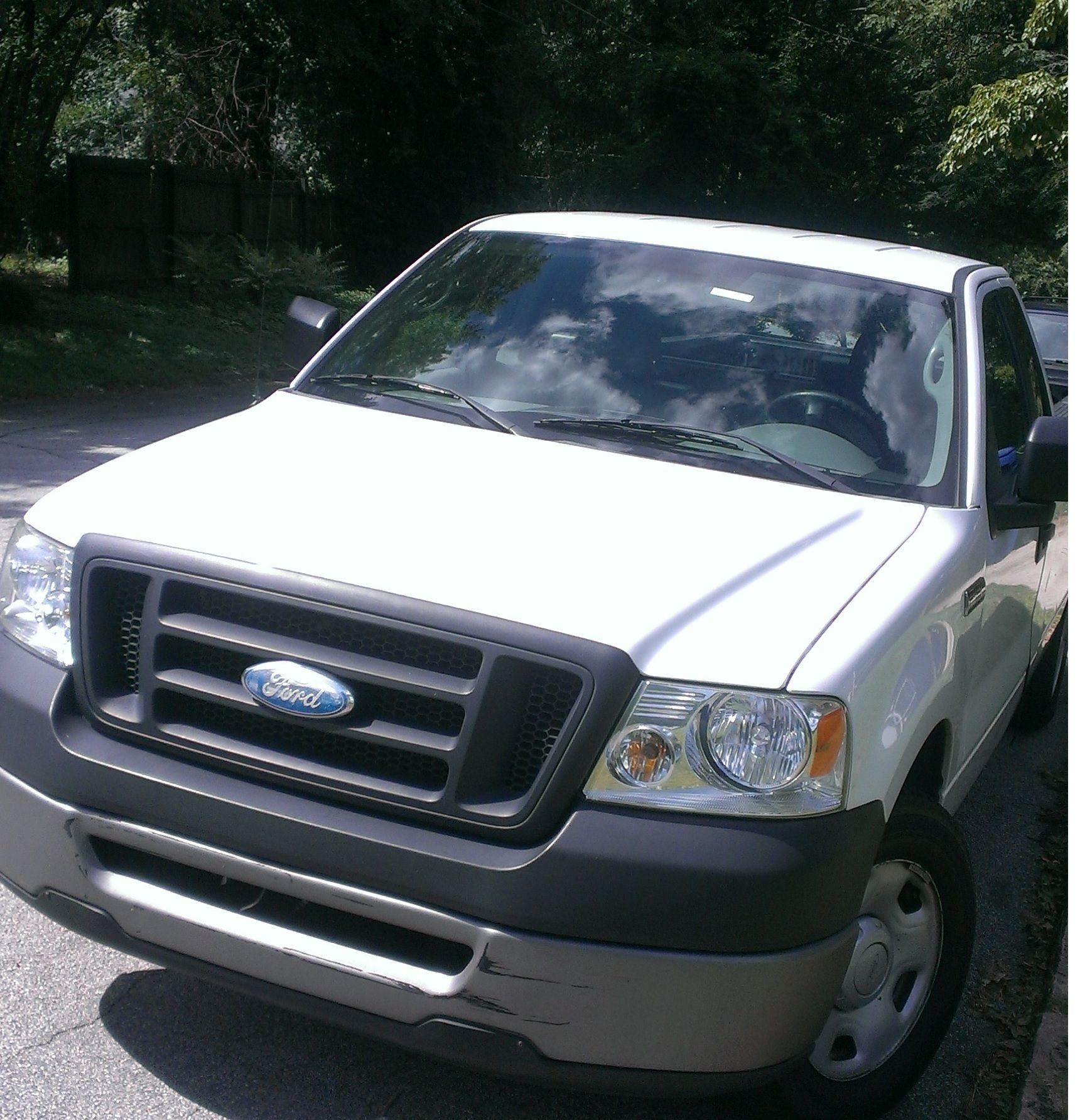 ford escape windshield replacement costs and quotes. Black Bedroom Furniture Sets. Home Design Ideas