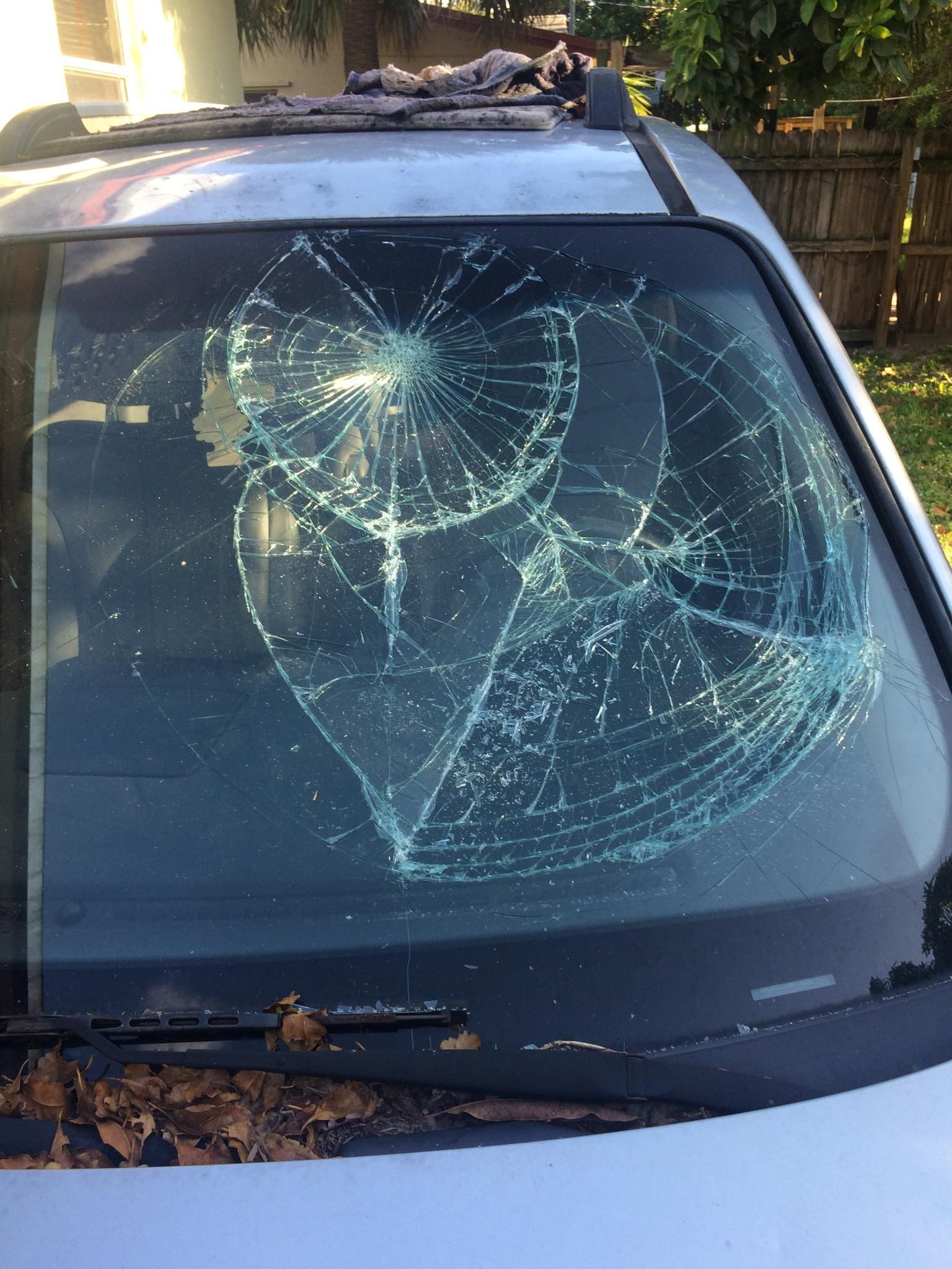 hyundai windshield replacement prices local auto glass quotes. Black Bedroom Furniture Sets. Home Design Ideas