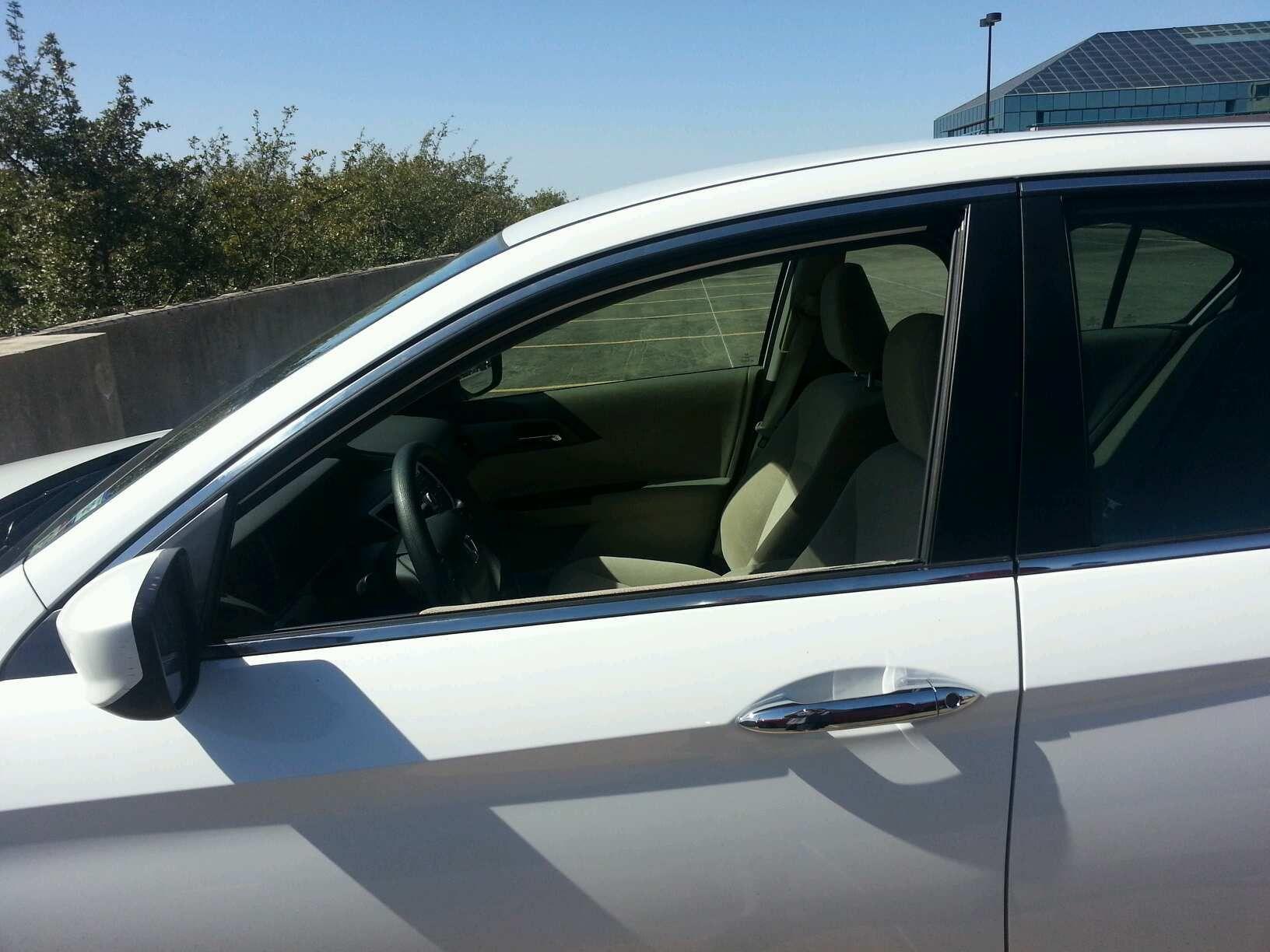2013 honda accord 4 door sedan front driver 39 s side door glass. Black Bedroom Furniture Sets. Home Design Ideas