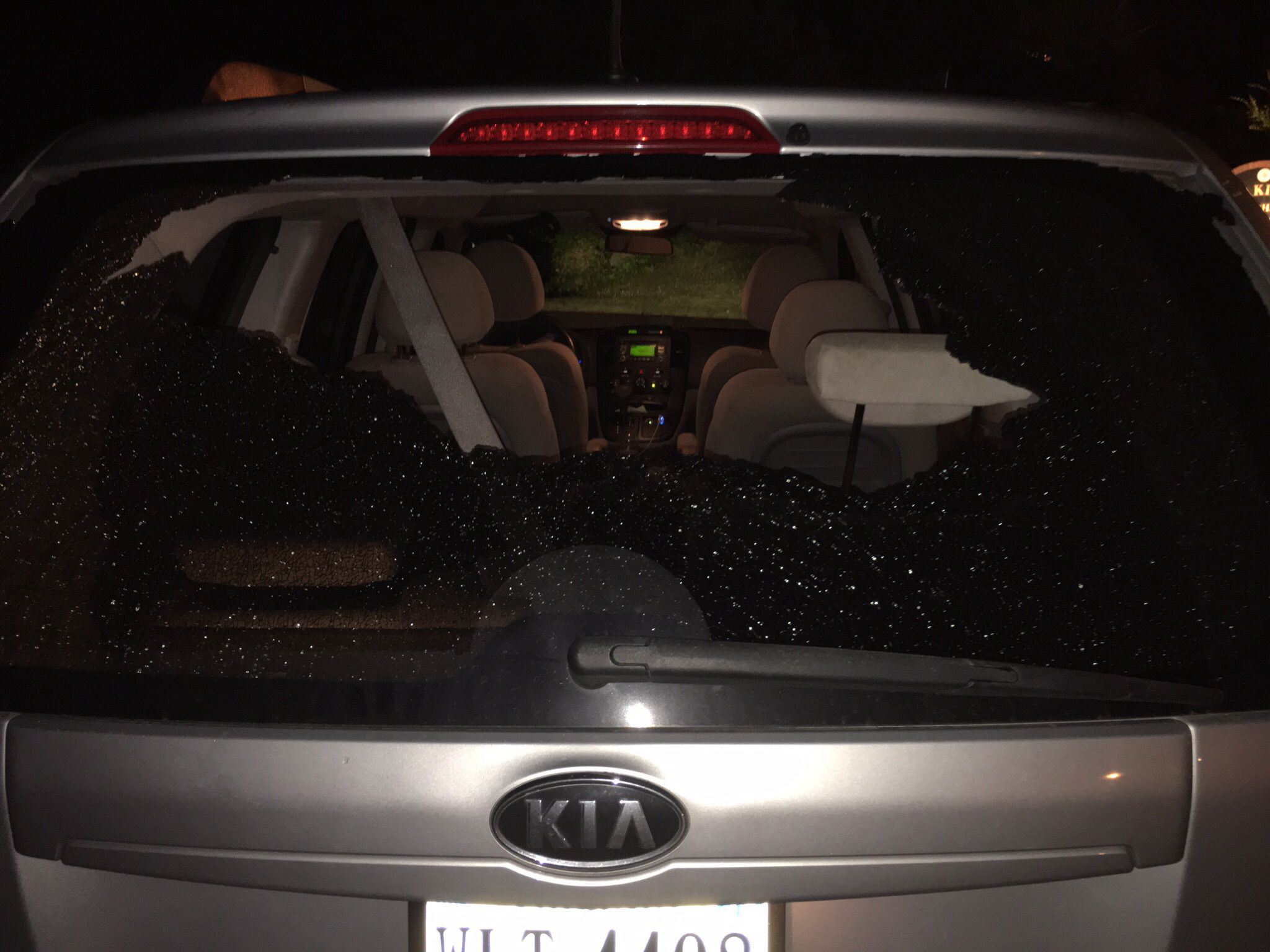 Kia Sorento: Windshield Glass Installtion